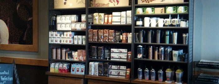 Starbucks is one of Zacharyさんのお気に入りスポット.