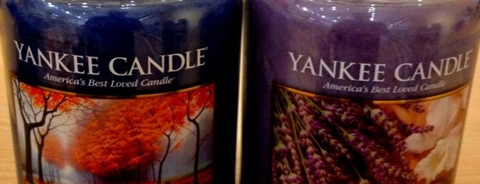 Yankee Candle is one of Orte, die Jennifer gefallen.