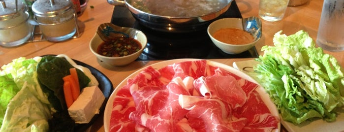 Eat Shabu is one of Lugares favoritos de R.