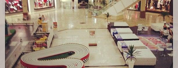 Shopping Campo Grande is one of Locais curtidos por Junior.