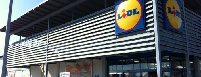 Lidl is one of Locais curtidos por Jan.