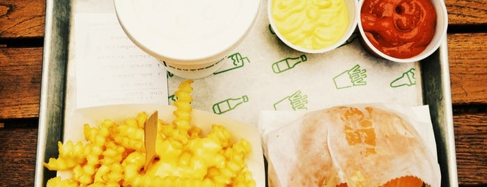 Shake Shack Covent Garden is one of London Burger Hunt.