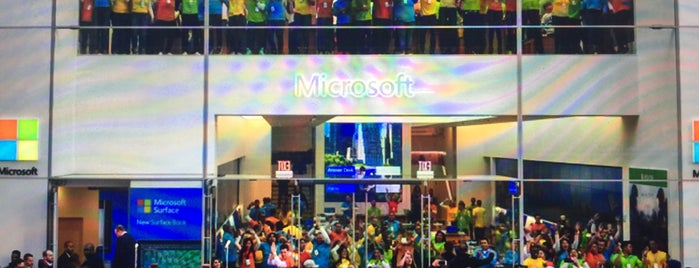 Microsoft Store is one of Cindy 님이 좋아한 장소.