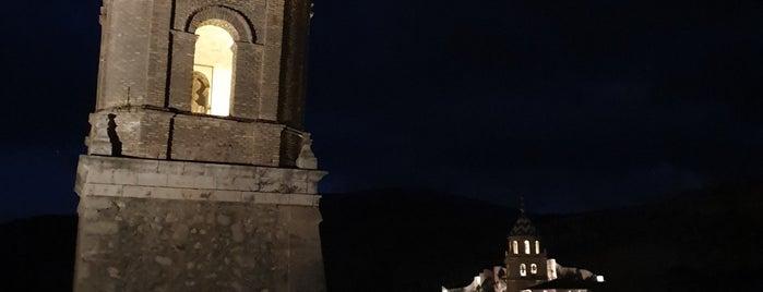 Albarracín is one of Castillos y pueblos medievales.