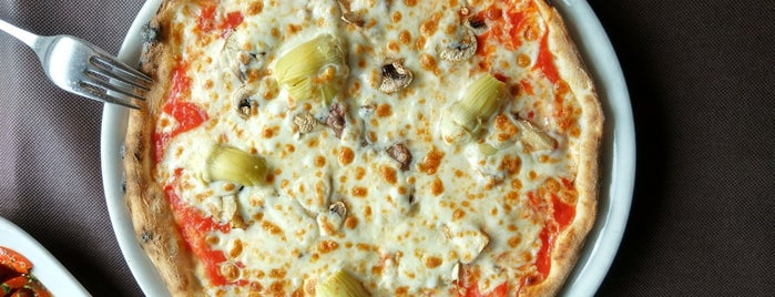 Vesubio Pizzeria is one of Gijon.