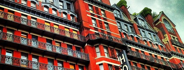 Hotel Chelsea is one of NYC for Damo & Yuko.