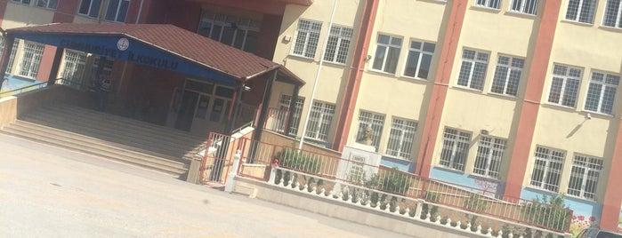 Cumhuriyet İlköğretim Okulu is one of Tempat yang Disimpan Yalçın.