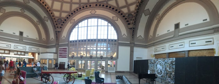 Town Hall at Chattanooga ChooChoo Hotel is one of Travel.