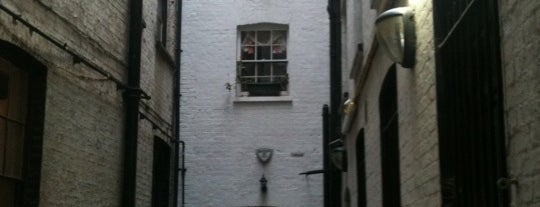Former Site of Sweeney Todd's Barber Shop is one of Around The World: London.