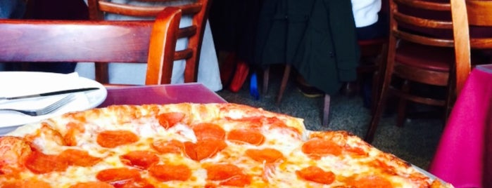 V&T Pizzeria is one of Manhattan To-Do's (Above 34th Street).