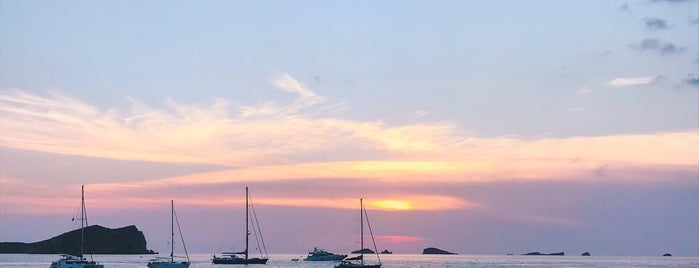 Sunset Ashram is one of İbiza.