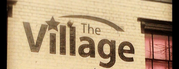 The Village Inn is one of Locais curtidos por Kevin.