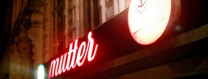 mutter is one of Alles in Hamburg.