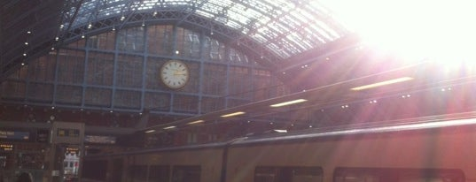 Estación de St. Pancras (STP) is one of Europe Itinerary.