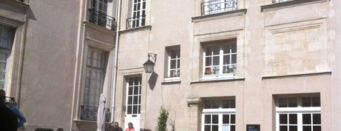 Café Suédois is one of Les 400 lieux branchés de Paris : Boire.