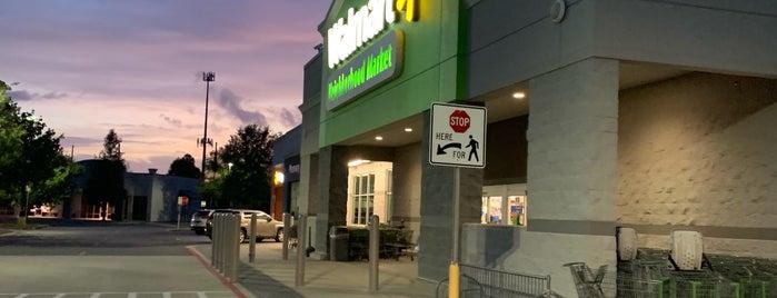 Walmart Neighborhood Market is one of Lugares favoritos de SooFab.