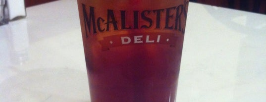 McAlister's Deli is one of Locais curtidos por Colin.