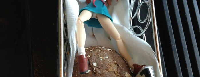 The Cheesecake Factory is one of The Travelogue of Haruhi Suzumiya 涼宮ハルヒの旅日記.