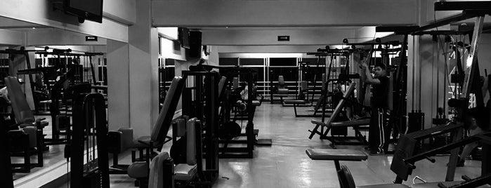 Atletico Americano Gym is one of Karen 님이 좋아한 장소.