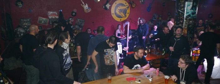 Aligator Crystal Rock Pub is one of Alp: сохраненные места.