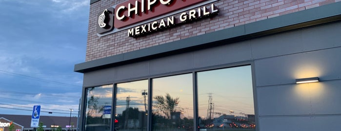 Chipotle Mexican Grill is one of Dana'nın Beğendiği Mekanlar.