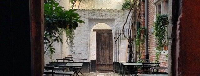 Vlaeykensgang is one of 80 must see places in Antwerp.