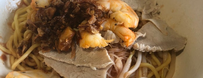545 Whampoa Prawn Noodles (Tekka Branch) is one of Micheenli Guide: Best of Singapore Hawker Food.
