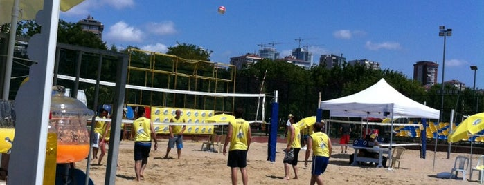 Kalamis Beach Volley Courts is one of Posti che sono piaciuti a Yildiz.
