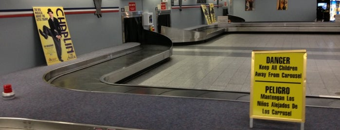 Baggage Claim Area C/D is one of AİRPORTS✈️✈️🙋‍♀️.