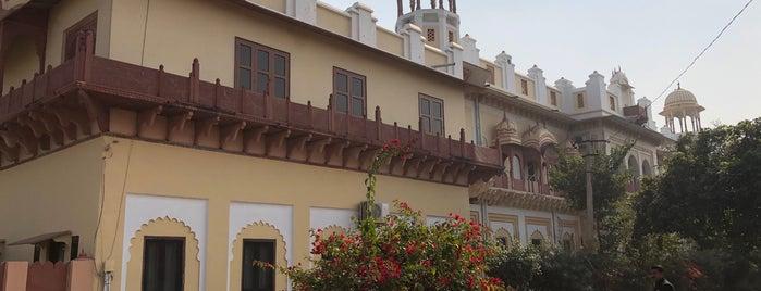 Lakshmi Vilas Palace is one of Tempat yang Disukai Leyla.