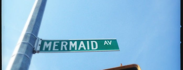 Mermaid Parade 2013 is one of Tempat yang Disimpan Lisa.