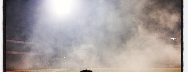 Feroz Shah Kotla Stadium | फिरोज शाह कोटला स्टेडियम is one of Holiday Destinations 🗺.