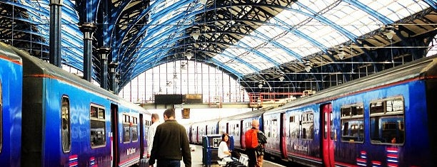 Brighton Railway Station (BTN) is one of Locais curtidos por Ricardo.
