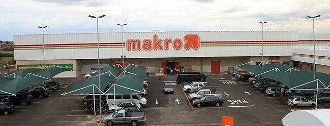 Makro is one of Nicoliさんのお気に入りスポット.