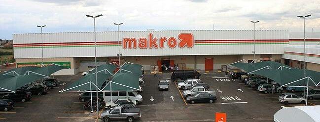 Makro is one of Posti che sono piaciuti a Nicoli.