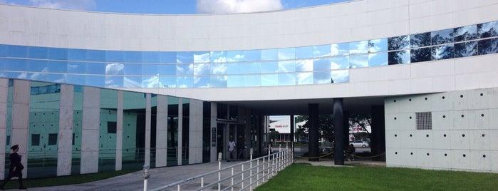North Dade Justice Center is one of Lieux sauvegardés par Carl.