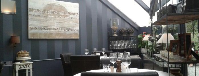 Brasserie Oliver is one of Locais curtidos por Maarten.