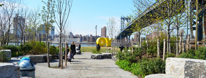 Brooklyn Bridge Park - Main Street Section is one of A Walk Through Historic DUMBO.