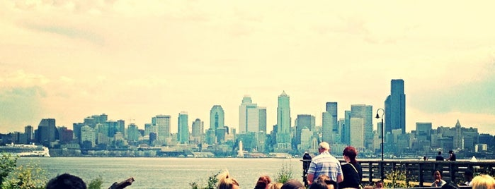 We 💙 Seattle