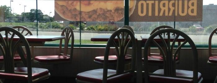 Taco Bell is one of สถานที่ที่บันทึกไว้ของ Kirisa.