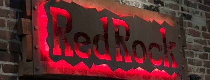 The Red Rock (Fire Grill & Bar) is one of Lizzie: сохраненные места.