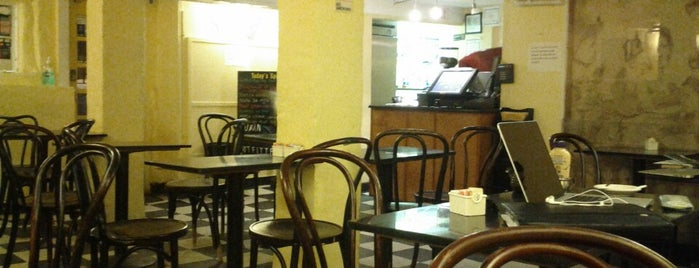 Cafe Pamplona is one of Locais curtidos por Jeanie.