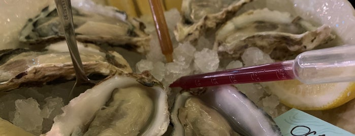 Umi Oysters is one of Lugares favoritos de Kristina.