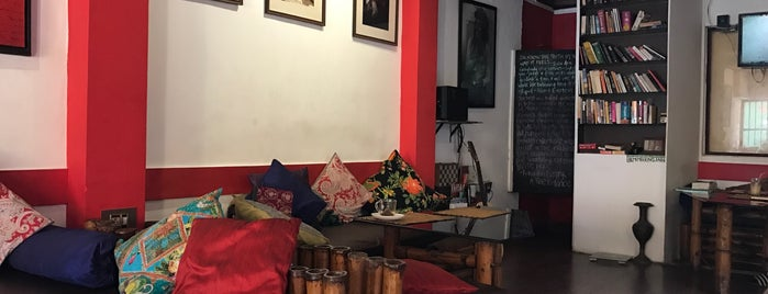 oy's cafe is one of Posti che sono piaciuti a Davide.