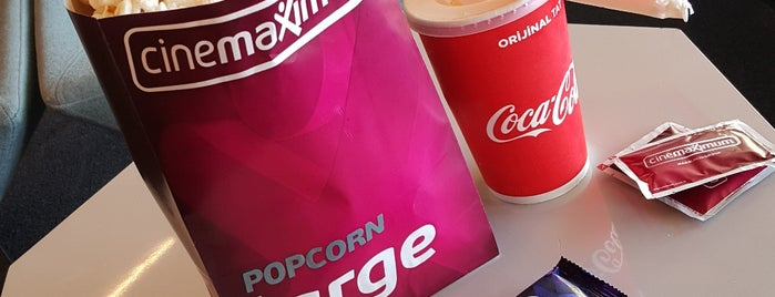 Cinemaximum is one of Lugares favoritos de Sarper.