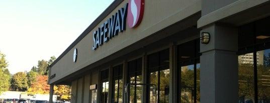 Safeway is one of Tempat yang Disukai Christina.