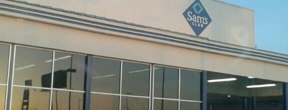Sam's Club is one of Alejandroさんのお気に入りスポット.