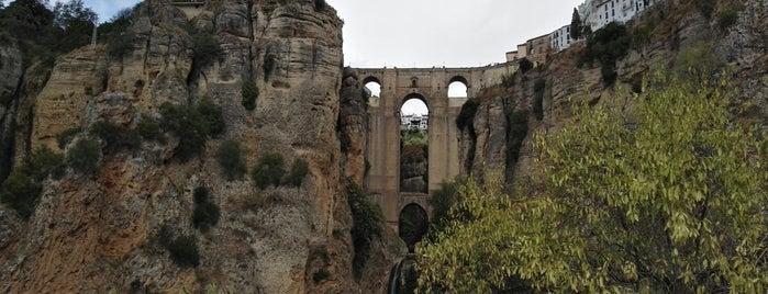 Ronda is one of Castillos y pueblos medievales.