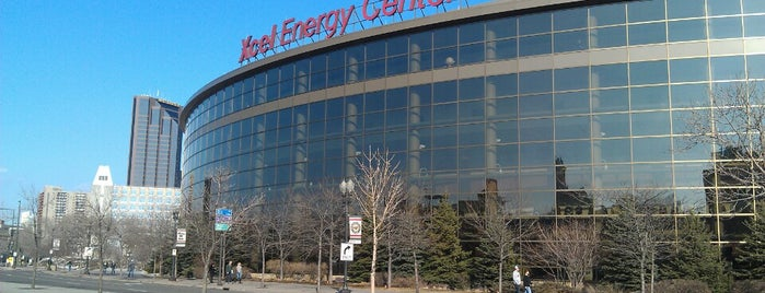 Xcel Energy Center is one of Tempat yang Disukai Stuart.