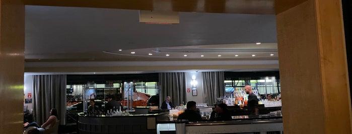 Lobby Lounge is one of Locais curtidos por Sergio M. 🇲🇽🇧🇷🇱🇷.
